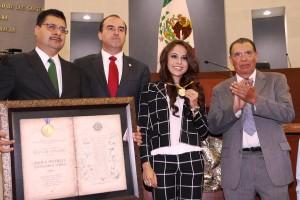 """Fernando Pérez Espinosa, Cándido Ochoa Rojas, y Álvaro Eguía Romero con la Presea al Mérito """"Plan de San Luis"""" 2014"""