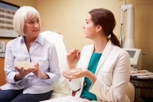 En ciudades como Washington, D.C., 80 por ciento de las mujeres a quienes les extirparon el seno por cáncer optan por la reconstrucción mamaria. En México, el porcentaje es menor al 15 por ciento.