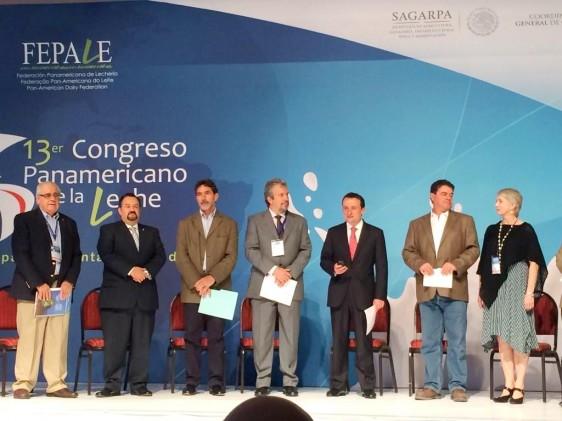 Personas en el foro del 13° Congreso Panamericano de la Leche