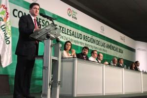 Rodrigo Medina de la Cruz dando un discurso