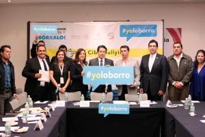 Asistentes a la mesa de trabajo de Campaña de Prevención del Ciberbullying #yoloborro
