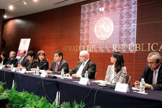 Pendiente una gran reforma sobre salud, reconoce el senador Barbosa Huerta