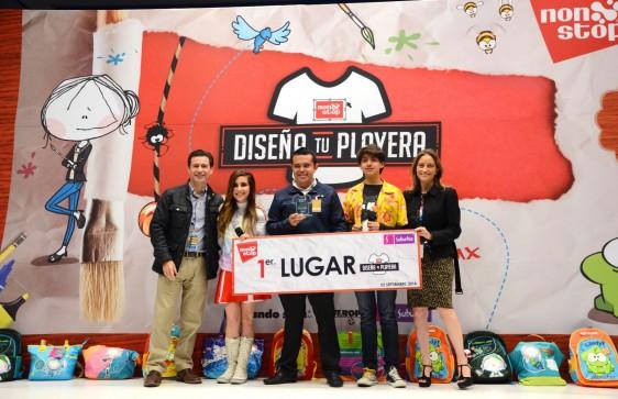 Brandon Giovanni Delgado Rivera recoboendp premio