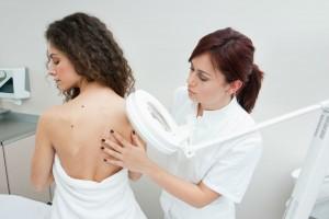 De los cánceres de piel, el melanoma es el más agresivo y resistente al tratamiento.