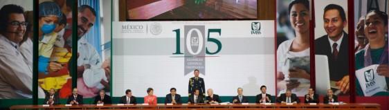 Funcionarios que presidieron la  Clausura el Presidente Enrique Peña Nieto trabajos de la Centésima Quinta Asamblea General del IMSS