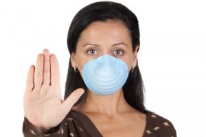 La influenza es una enfermedad respiratoria viral, contagiosa y aguda, cuyas manifestaciones características son fiebre, dolor de cabeza, dolor muscular, decaimiento, mucosidad, nariz tapada, dolor de garganta y tos.