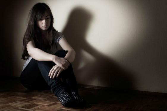Existe mayor número de mujeres que intenta suicidarse, pero es más grande la cifra de hombres que lo logra.