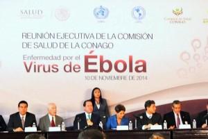 Funcionarios del Sector Salud y gobernadores de México en la mesa de trabajo al fondo cartel