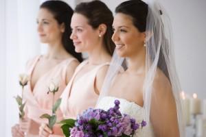 novia y damas de honor en fila