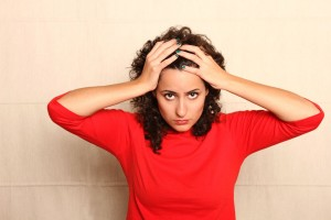 ¿Cuál es la causa de los dolores de cabeza recurrentes en adolescentes?