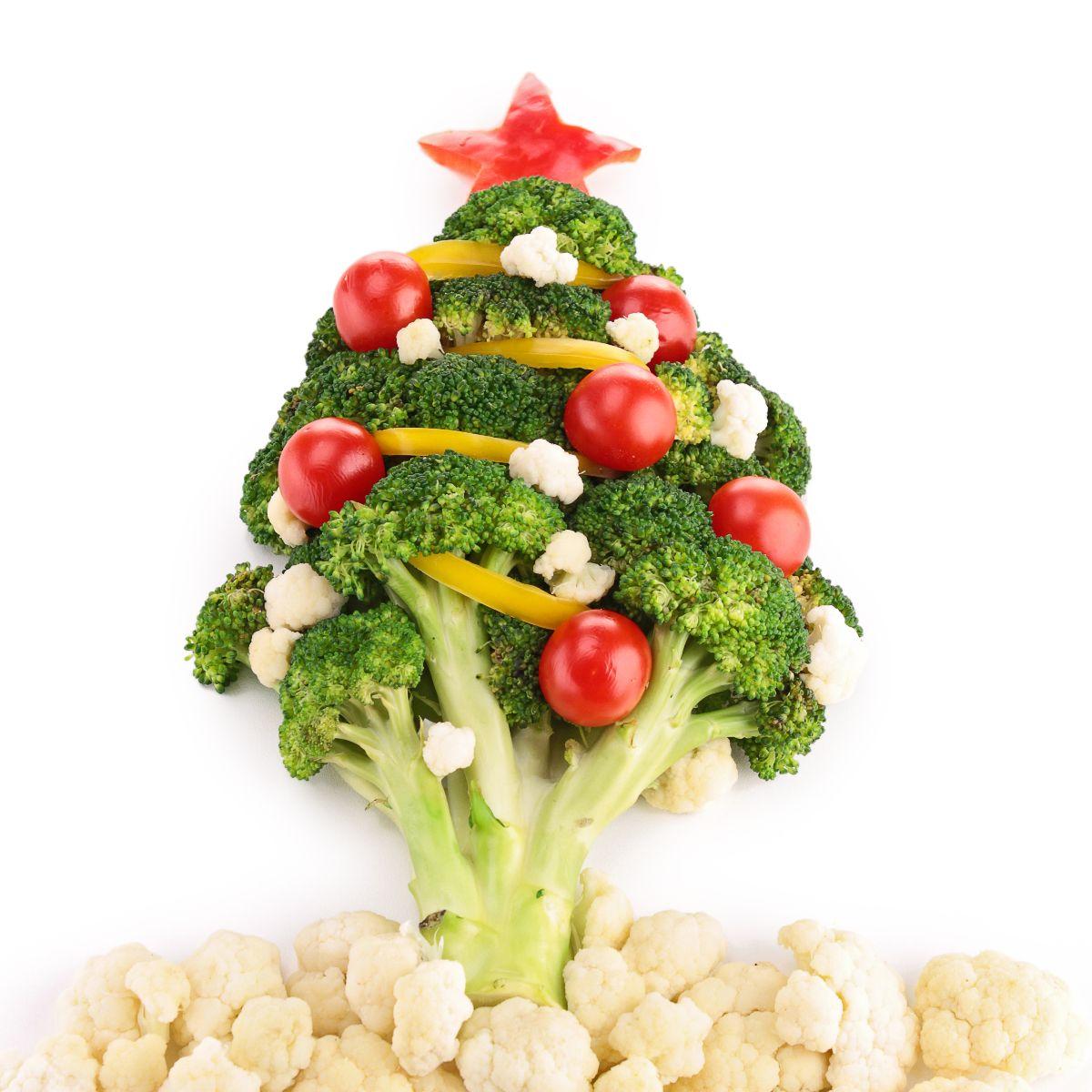 Arból de navidad hecho con verduras