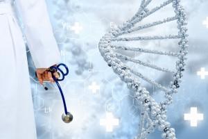 Médico sosteniendo en sus manos un estetoscopio al fondo un ailustración de una cadena de ADN