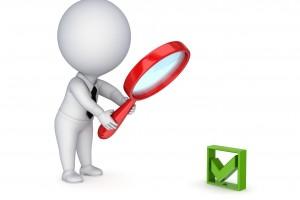 Ilustración de icono de persona con lupa inspeccionando una autorización