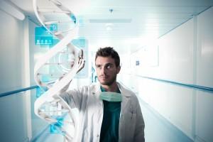 Médico tocando una cadena de ADN virtual