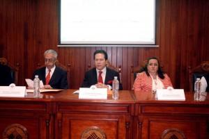 """Funcionarios sentados en el el """"Foro Prospera, Programa de Inclusión Social"""""""