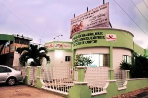 """Fachada del Centro de Atención a Niños, Niñas y Adolescentes Farmacodependientes de Campeche """"Vida Nueva"""""""