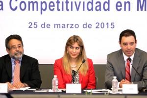 De izquierda a derecha José Franco, Maki Esther Ortiz Domínguez y Alejandro Tello Cristerna