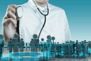 Mano de un médico con un estetoscopio con un ailustración de una red social