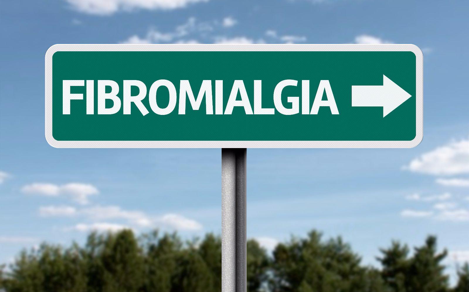 "Letrero de camnio con la palabra ""Fibromialgia"""