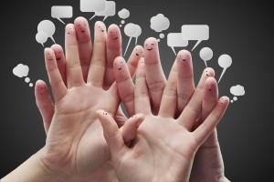 ;amps cpm rostros en los dedos y burbujas de dialogos