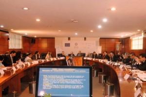 Funcionarios en la mesa de trabajo del Taller: inequidades en Salud en México