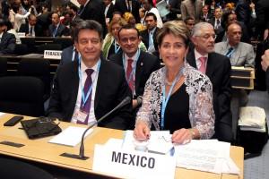Pablo Kuri, Mikel Arriola, Mercedes Juan y funcionario representante de México