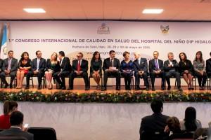 Funcionarios en el foro del Primer Congreso Internacional de calidad en Salud