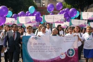 Grupo de personas manifestandose en las calles