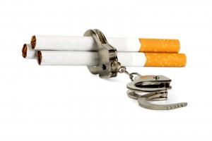 Cigarros atrapados en esposas