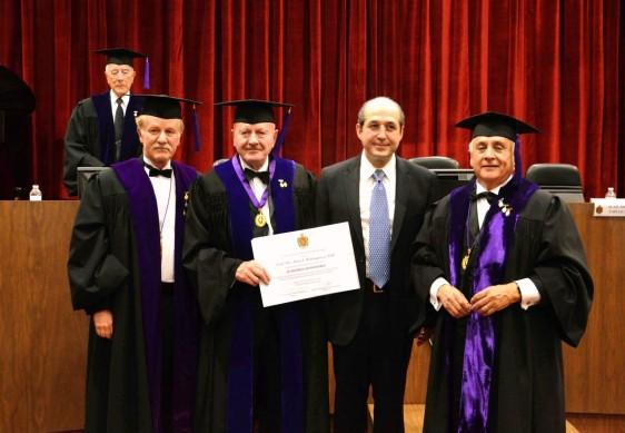 El doctor Manuel Mondragón y Kalb, Comisionado Nacional Contra las Adicciones, ingresa como nuevo académico honorario a la Academia Mexicana de Cirugía