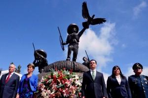 De izquierda a derecha Julio Zamora Batiz, Mercedes Juan y Miguel Alonso Reyes