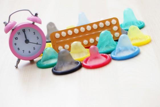anticonceptivos con un reloj