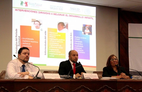 De izquierda a derecha César Iván Baqueiro Hernández, Antonio Rizzoli Córdova y Elizabeth Halley Castillo