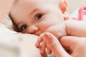 Los niños que son amamantados tienen seis veces menos posibilidades de padecer enfermedades como la diarrea y la neumonía, consideradas entre las principales causas de morbi-mortalidad en la infancia.