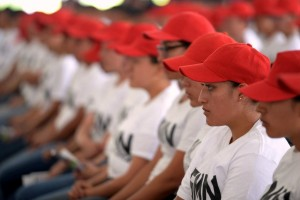 Grupo de voluntarias del Servicio Militar Nacional