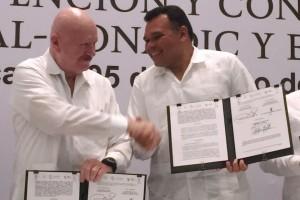 De izquierda a derecha Manuel Mondragón y Kalb y Rolando Zapata Bello