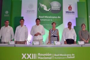 Reconoce el esfuerzo de las autoridades municipales para ampliar la cobertura de los servicios médicos.