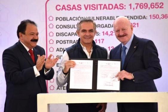 De izquierda a derecha Armando Ahued Ortega, Miguel Ángel Mancera Espinosa y Manuel Mondragón y Kalb