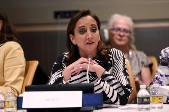 No habrá desarrollo sustentable sin igualdad. Nuestra Alianza Global debe consolidarse como un foro multiactores, plural e incluyente, cuyas acciones consideren a la mujer como un pilar fundamental. , Claudia Ruiz Massieu, Secretaria de Relaciones Exteriores.