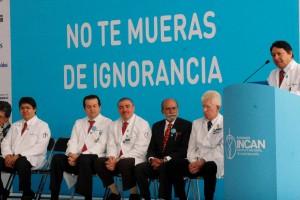 De izquierda a derecha dra veronica villavicencio dra maiyra galindo dr angel herrera dr abelardo meneses dr luis alonso herrera dr Eduardo Cervera