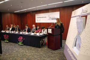 """La senadora Maki Ortiz encabezó el Foro """"Cáncer de estómago, retos del cáncer gástrico en México"""", asistieron los senadores Salvador López Brito y Martha Elena García."""
