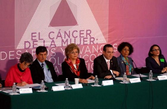 Diariamente, el cáncer acaba con la vida de 15 mexicanas; su combate requiere más presupuesto para tratamiento e investigación