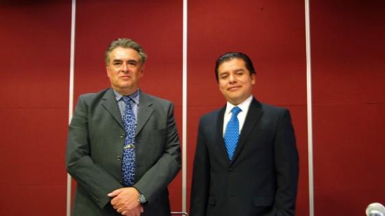 Izq; Dr.Carlos García Gutiérrez, Pediatra; Der; Juan Chavarría, Gerente de producto Meda.