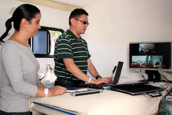 Consiste en que vía satelital, se garantice la cobertura de servicios en unidades médicas móviles