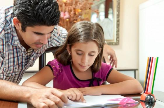 Núcleo familiar y maestros son agentes dinamizadores de su educación