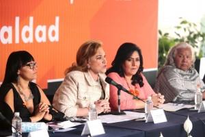 """La senadora Diva Gastélum Bajo presidió, el panel de conferencias """"Violencia contra las mujeres, casos emblemáticos""""con la participación la senadora Martha Elena García Gómez."""