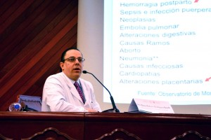Dr. Mario Roberto Rodriguez Bosch Jefe del Departamento de Obstetrica del INPer