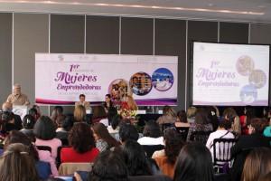 Mujeres, protagonistas del desarrollo económico: senadores