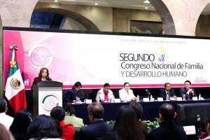 Para la senadora Hernández Lecona, las familias en México han experimentado una profunda trasformación, debido a los cambios culturales, políticos y económicos.