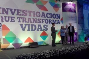 """""""Emprendimiento"""", Daniel Moska, Juan Arriaga y Patricia Mora."""